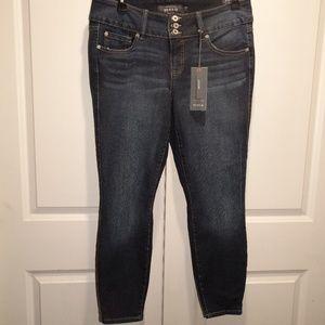 TORRID PREMIUM 3 Button JEGGING Denim Jeans 14R